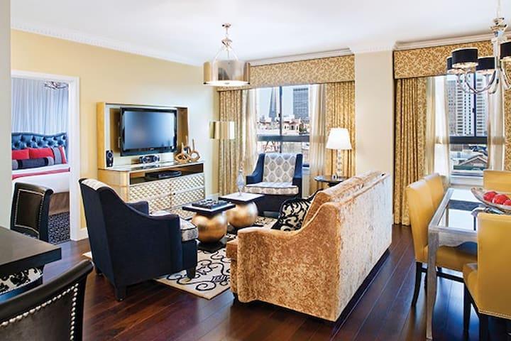 Posh 2 Bedroom Presidential ★ Downtown San Fran