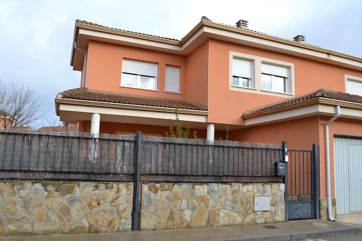 Belmonte de Tajo的民宿