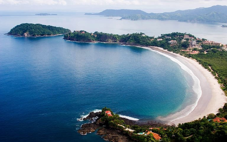 Luxury Ocean View Condo, Inifinity Pool, BBQ
