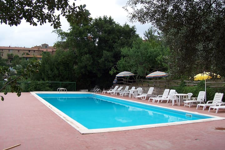 Holiday Home in Paciano with Swimming Pool,Terrace,Billiards