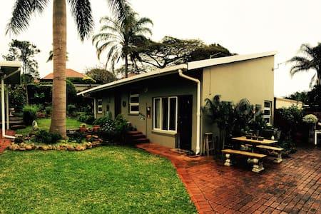 Spacious Garden Cottage