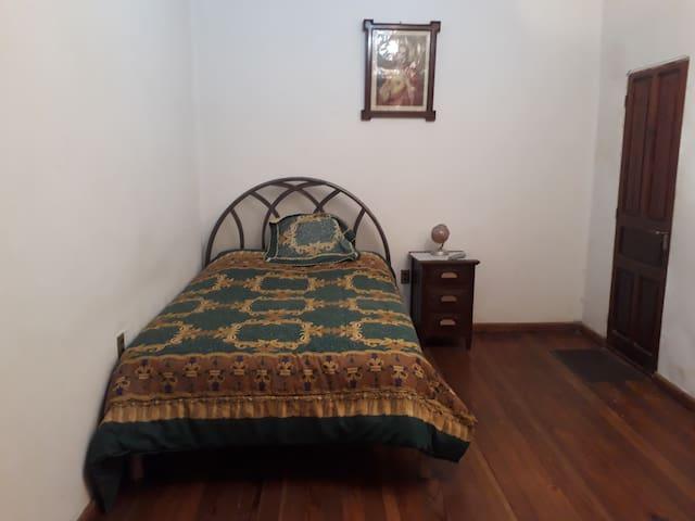 Comfortable Room in  Touristic Neighborhood