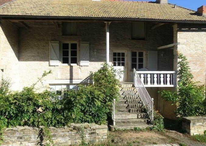 Chissey-lès-Mâcon的民宿