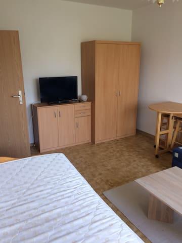 Komplette Wohnung 26qm in Lpz-Thekla / neue Messe