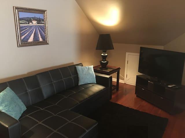 Modern Studio Loft in beautiful SW Charlotte