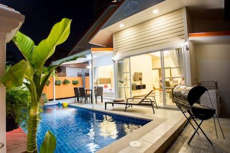 Grand Condo Montra Pool Villa 300meter from beach