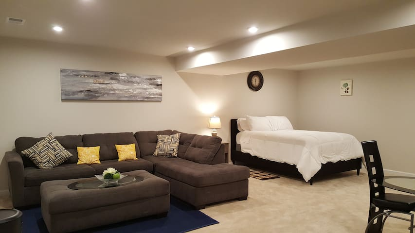 Private basement & theater room.Entertain while...