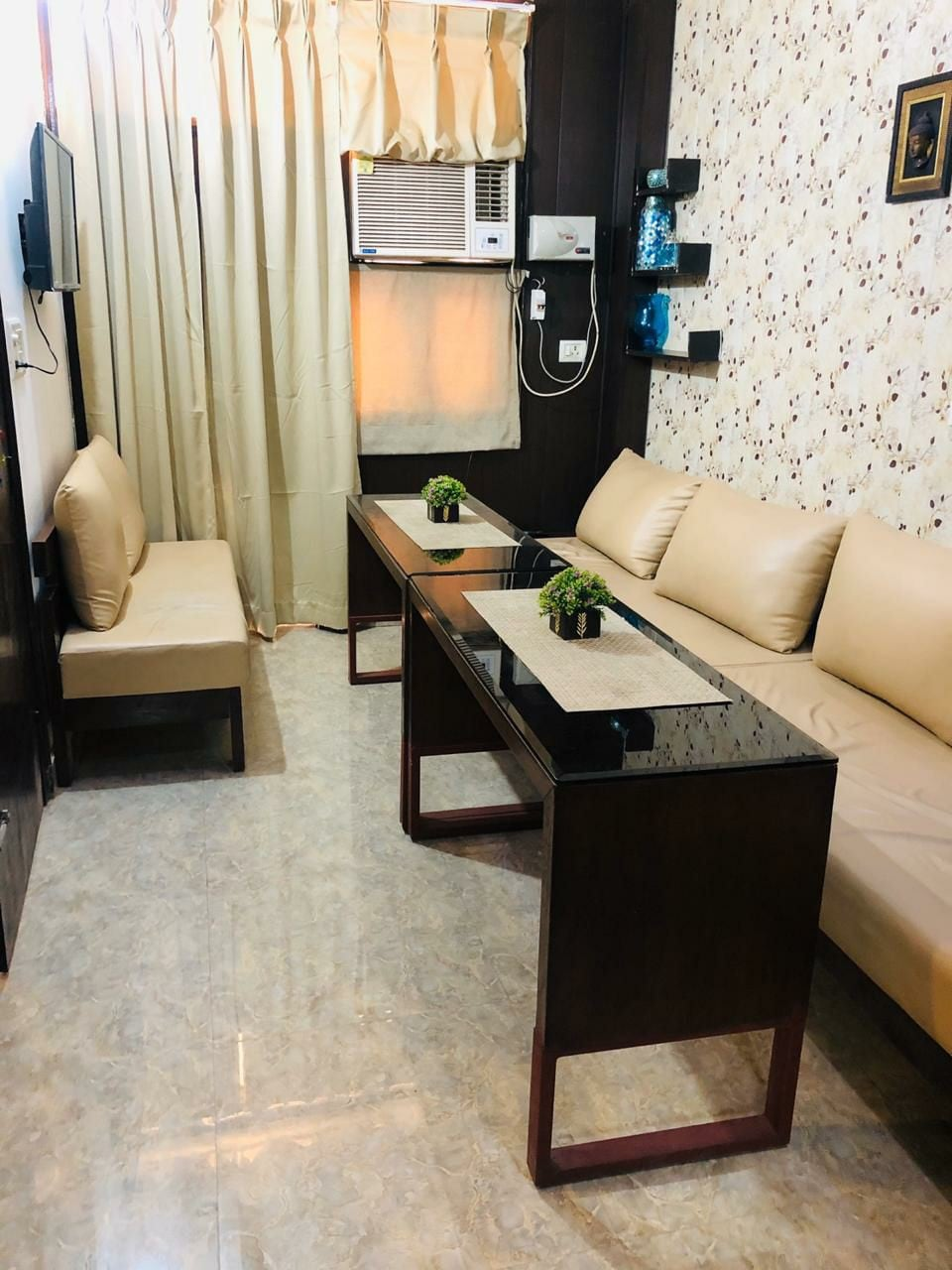 Oneness Stay 201,Ten mins from CP, Bus Stand, Rail