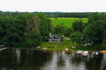 Cottage on Lake Sleeps 11