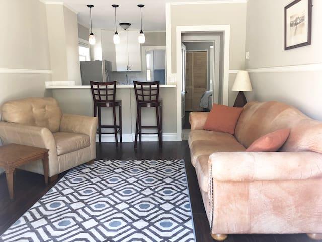 AlpLily Inn: The Hayden Suite