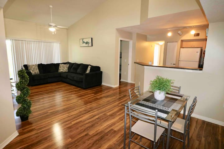 Spacious 3/2 condo near Rapids and FIIT Ballpark
