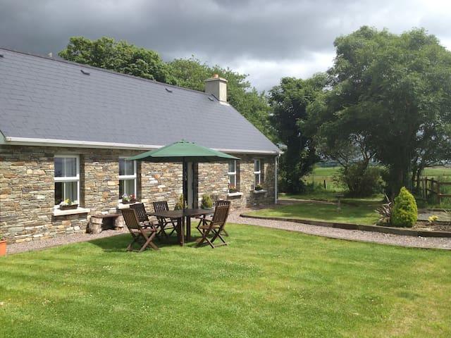 Luxury 2 bedroom cottage near Skibbereen West Cork