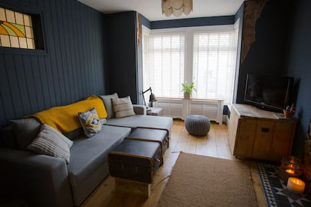The Bunker House // Central Newquay // Parking