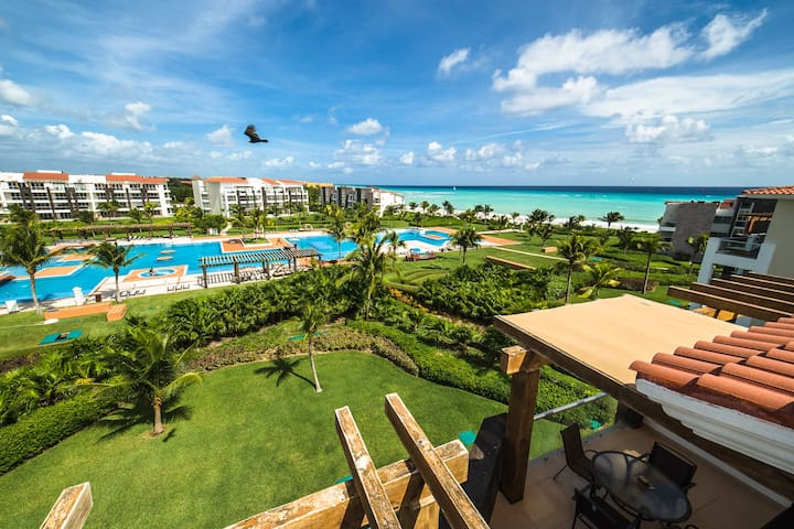Best pool in Playa del carmen beach and 5th avenue