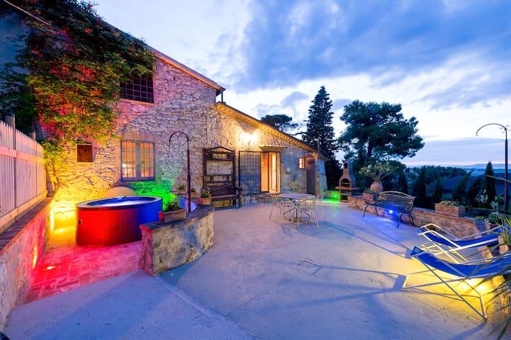 San Venanzo的民宿
