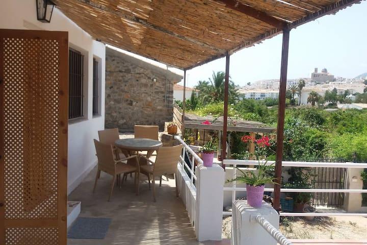 Encantador y soleado duplex con terraza en Altea