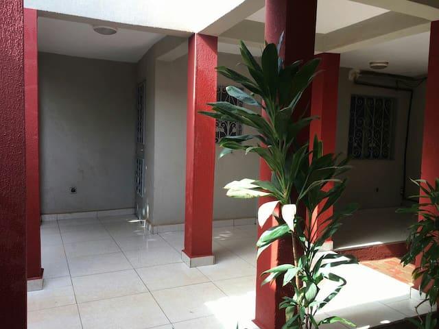 SAVANA 3 chambres climatisées  panneaux Solaires