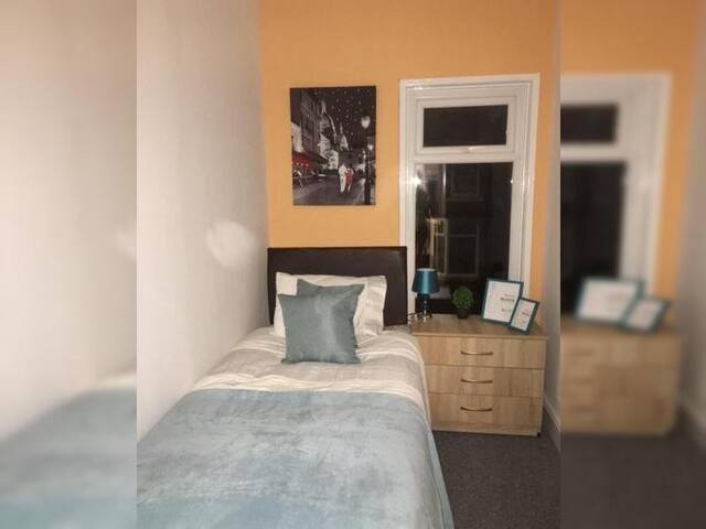 TownHouse @ Gresty Rd - Single Room 3