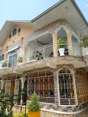 Bujumbura的民宿