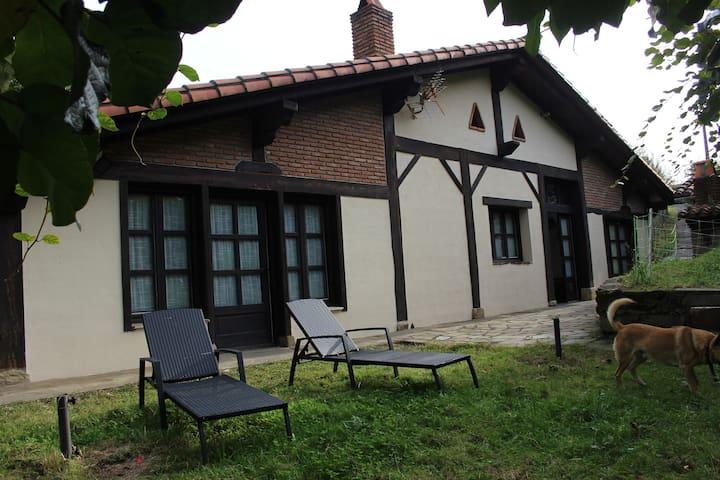 Ziortza-Bolibar的民宿