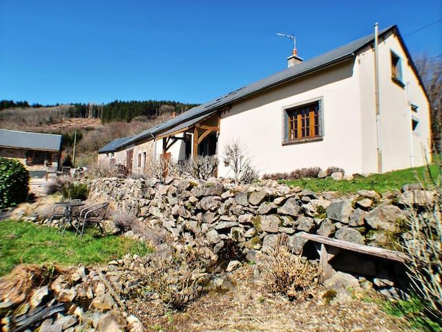 Glux-en-Glenne的民宿