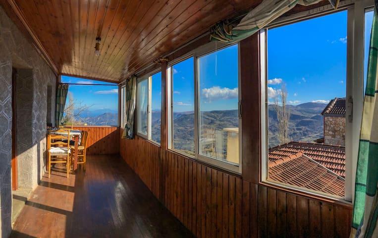 Τρίκαλα Κορινθίας的民宿