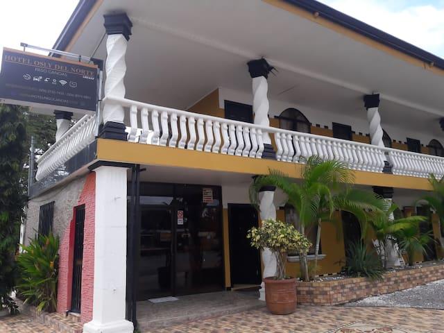 Paso Canoas的民宿