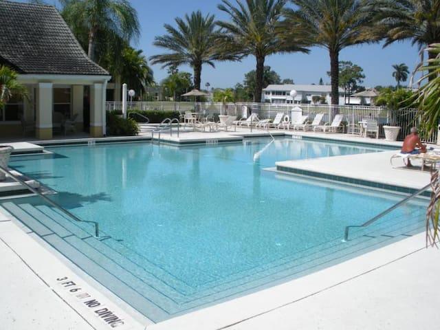 Sunny Florida Condo
