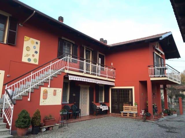 Albano Vercellese的民宿