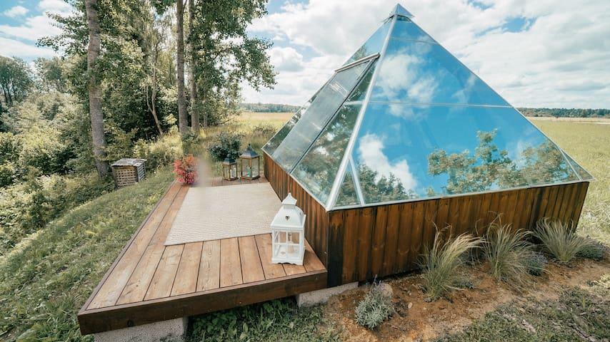 Glass energy pyramid