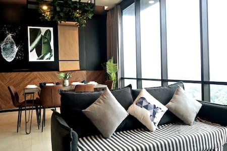 Opus Premium Suite@ KL City Chinatown #3R2B 中文房东