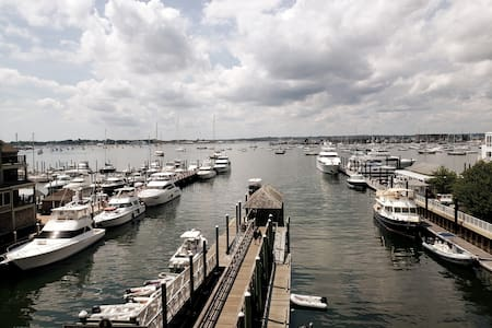 Wyndham Inn on the Harbor- Gorgeous View