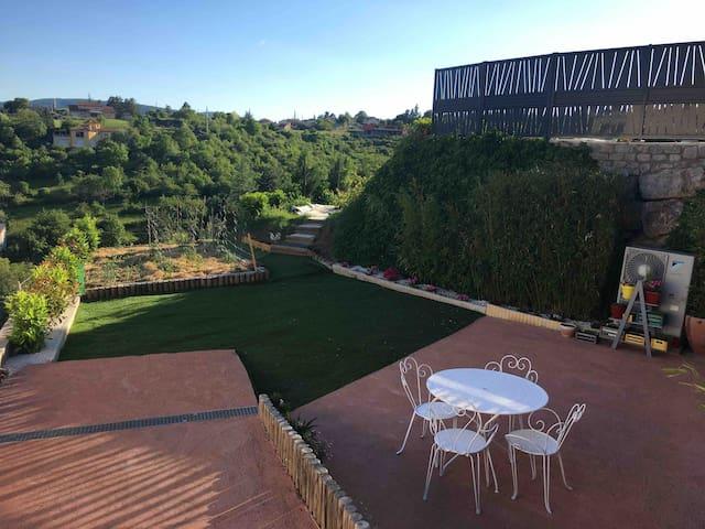 Agréable studio dans villa