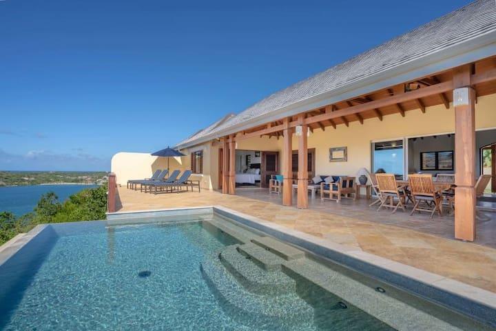 Beautiful Resort Nonsuch Bay Villa