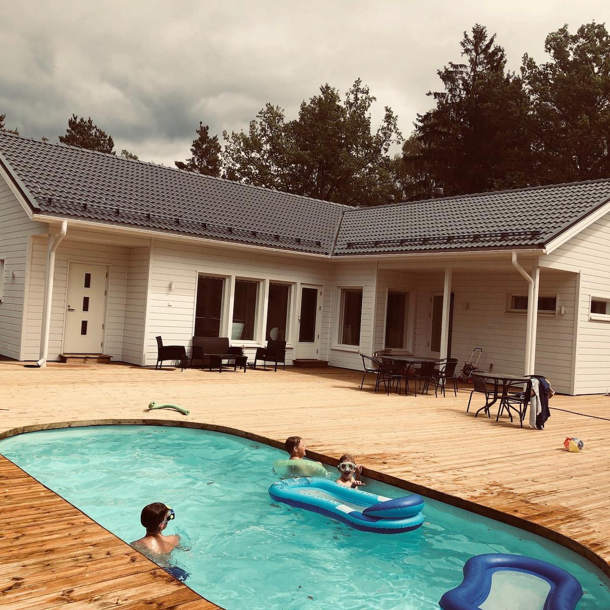 Holiday Villa +warmed pool, saunas+ Hot Tub