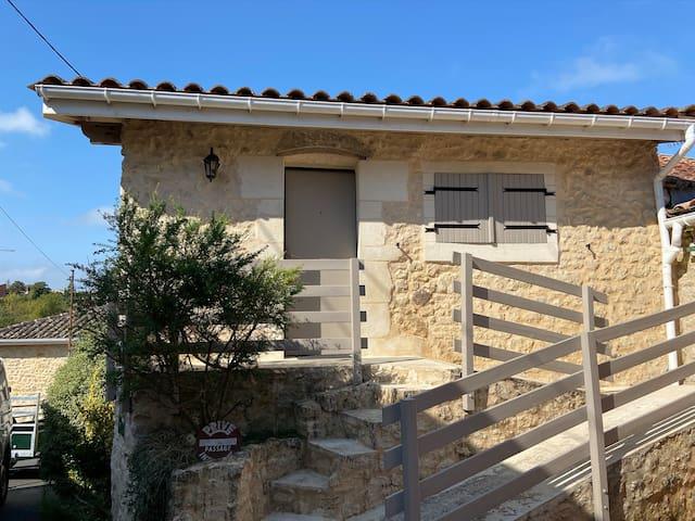 Saint-Martin-Lacaussade的民宿