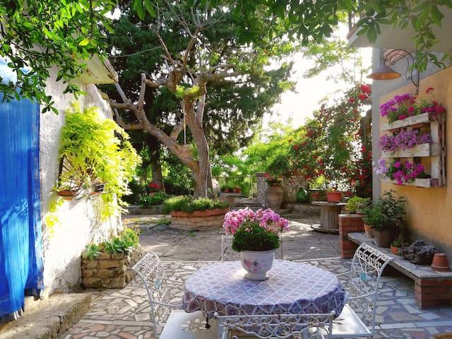 Sicilian Mountain Oasis - Entire Villa