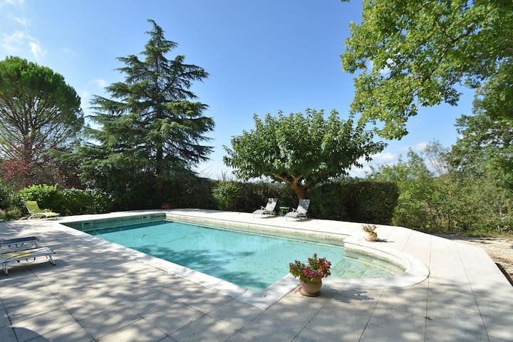 Modern Holiday Home in Languedoc-Roussillon with Pool