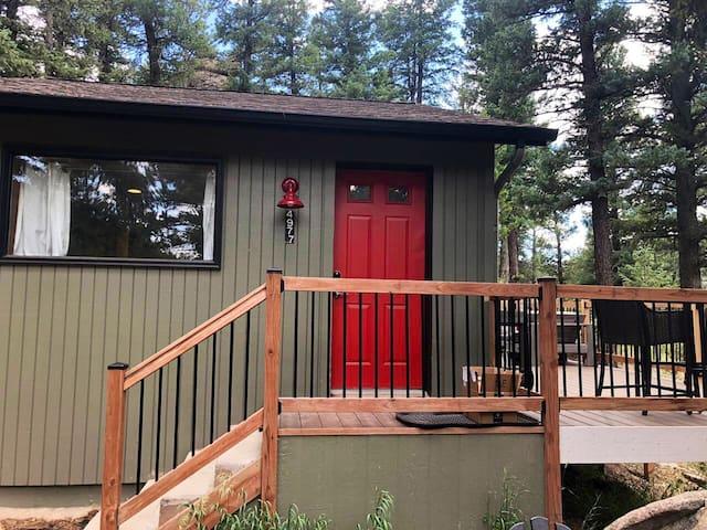 Cozy Mountain Home in Quiet Wooded Neighborhood