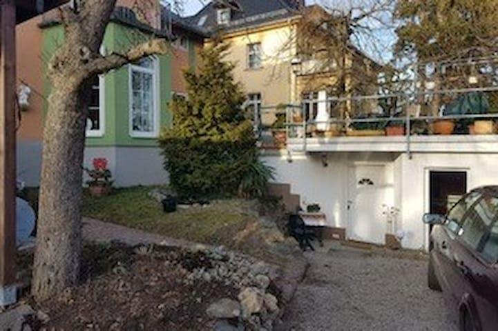 Pößneck的民宿