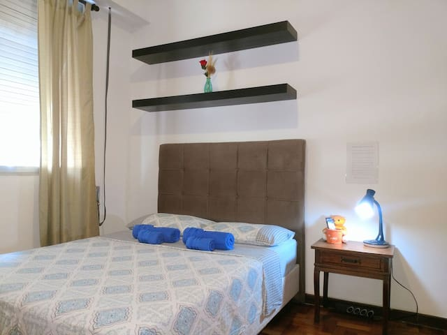 Copacabana Beach - Private Bedroom & Bathroom