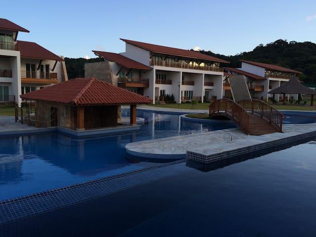 Flat Club Meridional Carneiros - Beira Mar