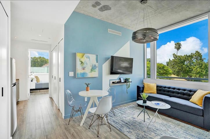 Stunning Design District 1 Bedroom Apartment 210