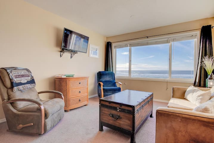 This beautiful beachfront condo sits on the top floor of the Sea Gypsy