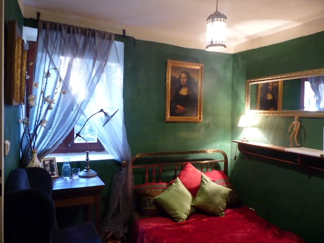 Decadent Green Room - Small Double