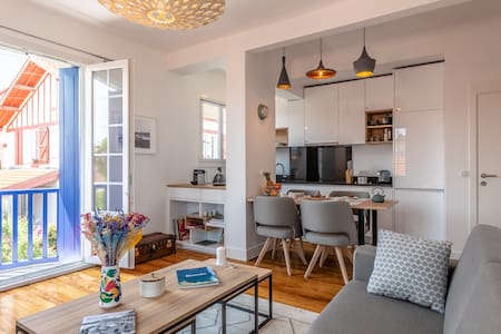 Mimosa - A beautiful apartment in the heart of St Charles neighborhood !