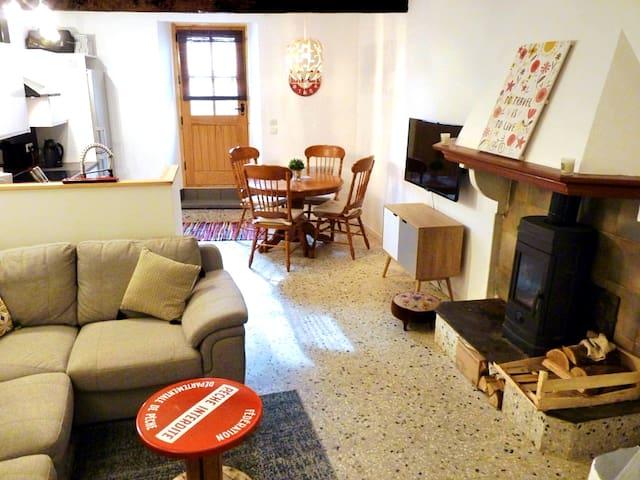 Cascastel-des-Corbières的民宿