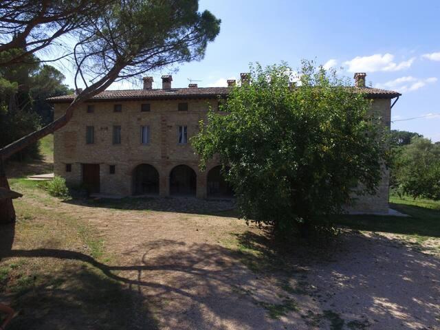 Fratta Todina的民宿