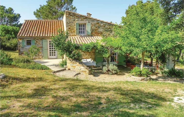 Holiday cottage with 5 bedrooms on 180m² in Ribaute