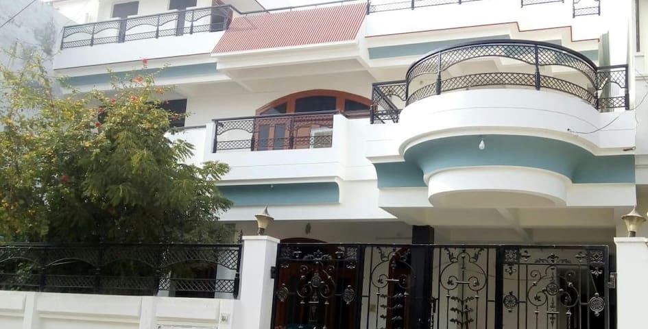 Allahabad的民宿